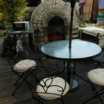 庭のパン屋さん - 「中庭」