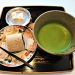 61846966 - 『本日の和菓子(春の雪)』と『抹茶』のセット~♪(^o^)丿