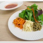 プティ・ポワ - セットのサラダ