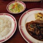 レストラン シマダ - 「豚ロースのシャスール風+ライスセット(\945+\420)」。