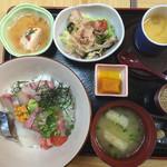 魚平 - 海鮮丼ご膳=1000円 税別