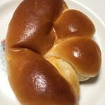 61851671 - クリームパン@167円
