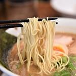 麺屋めん虎 - 魚介とんこつラーメン(カタ)