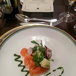 ホテル阪急インターナショナル - 前菜(サーモンマリネと野菜のサラダ仕立て ハーブの香り)