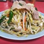 丸吉飯店 - 肉野菜炒め 700円(税込)(2017年1月20日撮影)