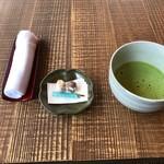 野鶴亭 - チェックイン、お抹茶と茶菓子