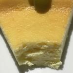 シャンズカフェ - ベイクドチーズケーキの断面