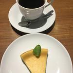 シャンズカフェ - エチオピアモカとベイクドチーズケーキで1,000円