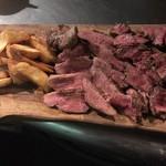 代々木バル - シェフおまかせ肉の盛り合わせ