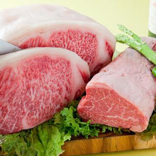 A5ランクの黒毛和牛雌牛のフィレ肉とジューシーなサーロイン