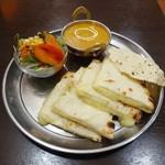 ASIAN DINNING SHIVA MAHAL - チーズナンランチ