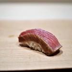 紀尾井町 三谷 - 料理写真:酢〆の鮪中トロ