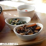 オクムサ マルシェ - 小鉢と杏仁豆腐