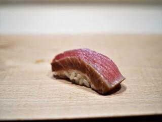 紀尾井町 三谷 - 酢〆の鮪中トロ