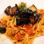 トラットリア ディペッシェ パッパーレ イタリア - 茄子とサルシッチャのアラビアータ