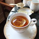 ドリーマーズ・ラウンジ - 紅茶はゴールデンアッサム