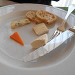 61870145 - チーズ盛り合わせ