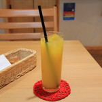 ガレット・カフェフェアリーハウス - 100%オレンジジュース
