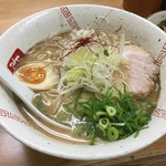 らーめん弥七 - 醤油らーめん(730円)