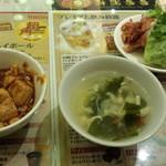 魯香酒樓 - 麻婆豆腐、中華スープ、チキン