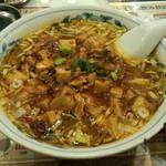 魯香酒樓 - 麻婆豆腐刀削麺(730円)