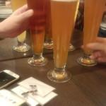VECTOR BEER - 乾杯