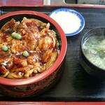 里宝亭 - 豚丼  680円