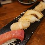 魚寿司 - 中とろ(410円)ホタテ(151円)えんがわ(259円)タコ(194円)