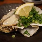 魚寿司 - 生牡蠣(518円)