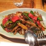 61887982 - ソフトシェルクラブと香味野菜の黒胡椒炒め