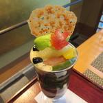 福寿園京都本店 - 治抹茶のクリームに抹茶やほうじ茶のゼリー、何故かマンゴーアイスまで…(笑)