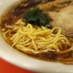 梅華楼 - 麺 アップ
