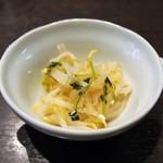 61892261 - ランチ 健彩麺セット:塩麹酢ナムル