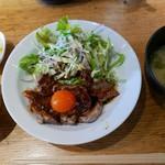 61895677 - 鉄板牛焼肉(1280円)