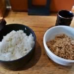 61895702 - ご飯(お櫃提供)&鶏そぼろ