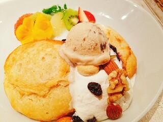 アインソフ ジャーニー 新宿店 - 天上のパンケーキ