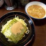 蒲田いっ家 - 魚介つけ麺(¥780)。魚介と豚骨のダブルスープ、ガッツリ濃いめの提案です