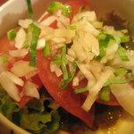 団らん - お通し トマトサラダ