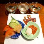 地酒喝采 かも蔵 - 珍味盛り・お好み3点(¥1452)。山うに豆腐、鯖のへしこ、かんずり酒盗… 日本酒にはコレだね