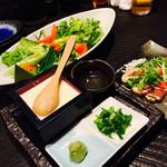 61902313 - 2017/1/29 ディナーで利用。                       ・本日のサラダ                       ・鴨肉のカルパッチョ                       ・手作りもっちり豆腐                       豆腐はとっても濃厚!!