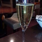 61902803 - シャンパン