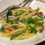 華家 - 細切り牛肉と黄ニラの塩味炒め