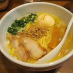 鶏の穴 - 白鶏らーめん700円+味玉100円