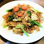 タイしょう油風味 太麺焼きビーフン