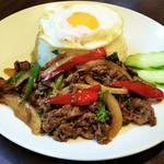 牛肉ガパオ(牛ひき肉のガパオ炒めのせごはん)ヌア・ガパオ