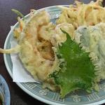 田麦そば - 野菜天ぷら盛 650円