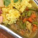 ジンジャー・ドット・トーキョー - 野菜とココナッツのカレー