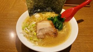 武松家 - 醤油豚骨ラーメン750円