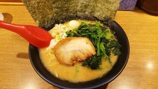 武松家 - 味噌豚骨ラーメン750円 ほうれん草100円