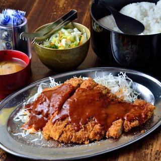 【ランチ】ボリューム満点!ご飯・味噌汁・お漬物食べ放題!